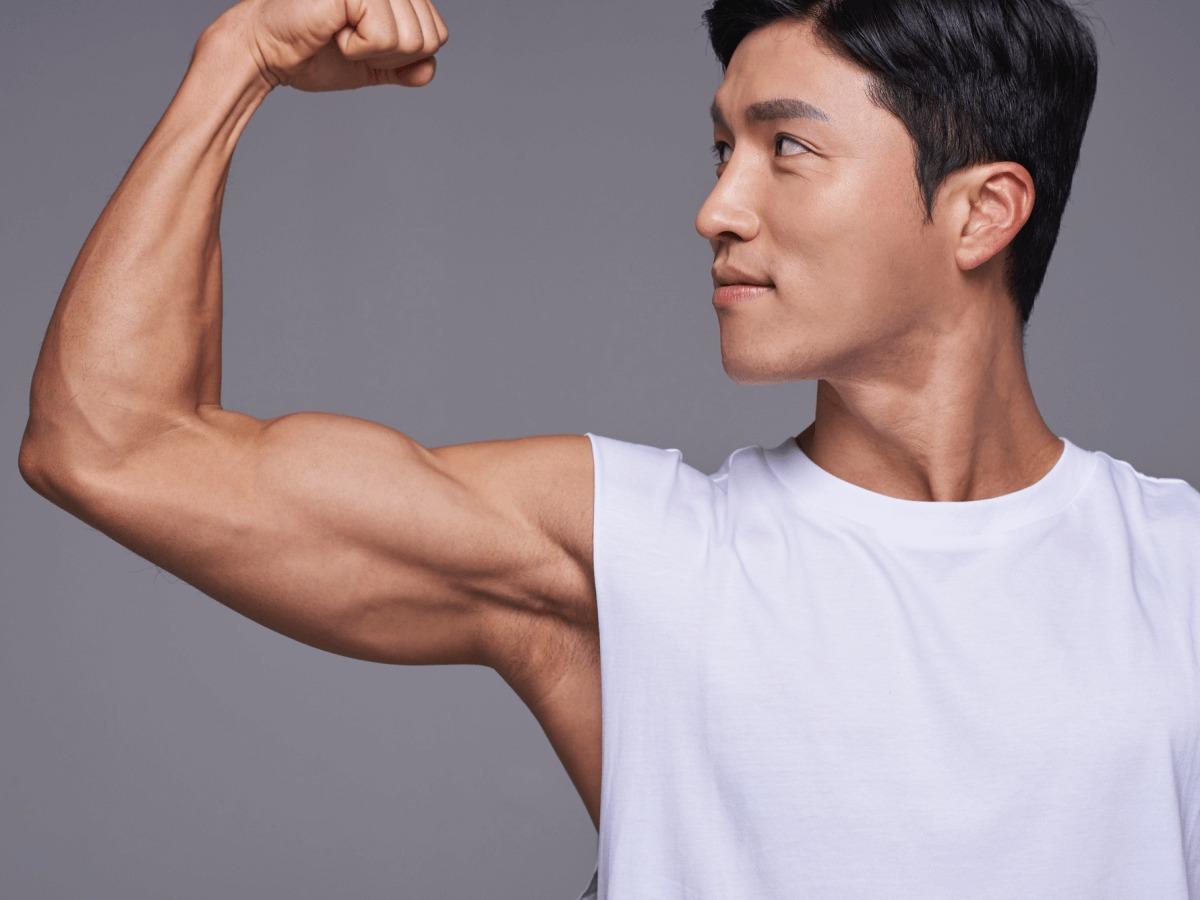 血管が浮き出る男性はかっこいい!浮き出た腕を筋トレでつくる方法ご紹介のサムネイル