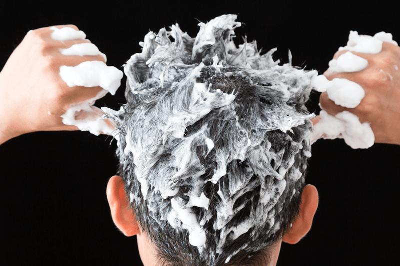 【薄毛男子必見!】おすすめ育毛シャンプーランキング20選と正しい使い方のサムネイル