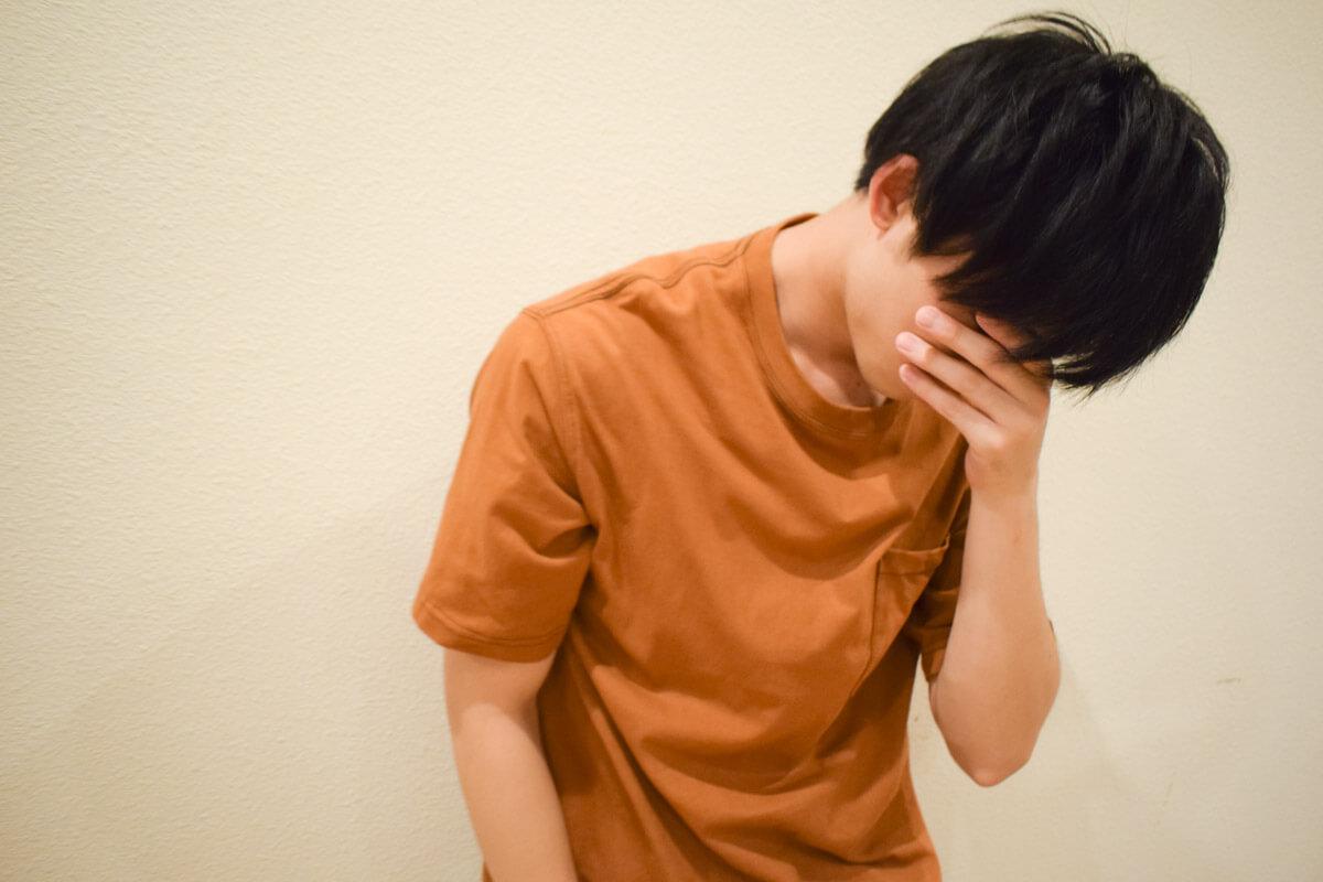 髪の生え際が気になる!前髪薄毛・若ハゲの原因と対策・予防方法のサムネイル