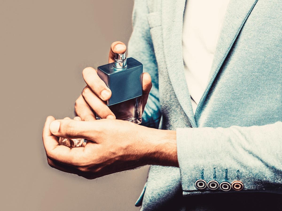 いい匂いの男はモテる! 女性が好印象を抱く自然な香りの香らせ方・方法のサムネイル
