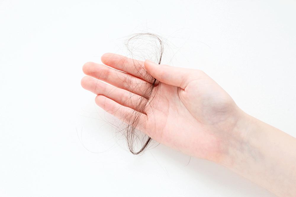 h_53_2男性 髪の毛ケア