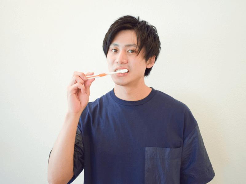 b_84_6,男 歯 汚い