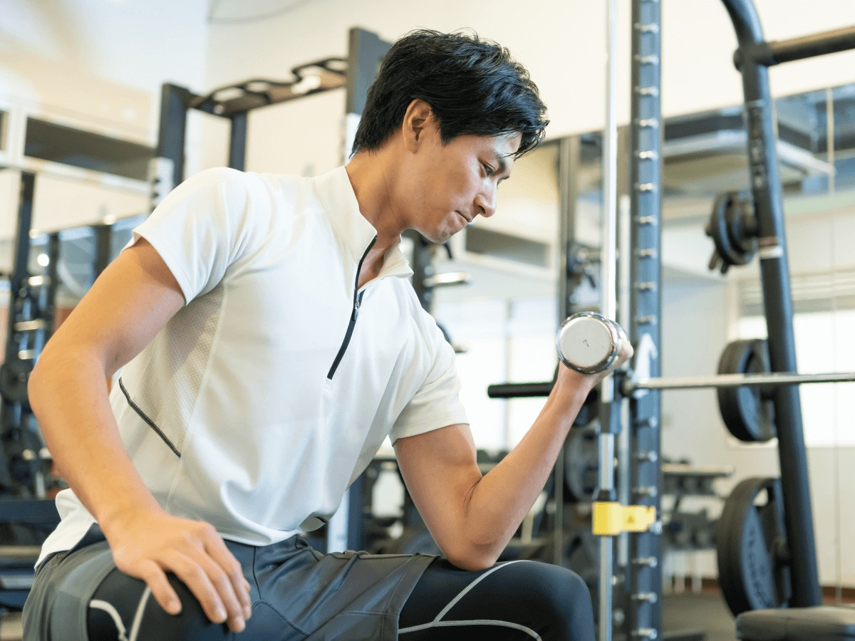 手首を太くしたい方必見!おすすめの筋トレ方法と鍛え方・細い理由の解説のサムネイル